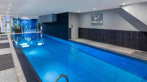 The swimming pool at or near Oaks Melbourne on Market Hotel