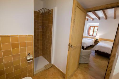 A bathroom at Agroturismo Son Alzines