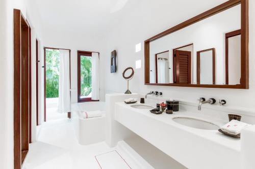 A bathroom at Hotel Esencia