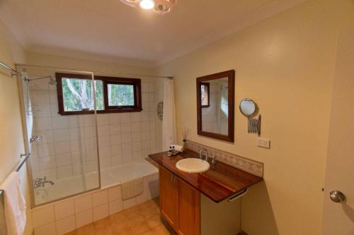 A bathroom at A Grape Escape