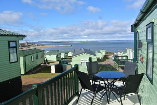 A balcony or terrace at St Andrews Holiday Home
