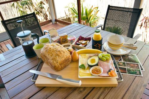 Breakfast options available to guests at Witches Falls Cottages