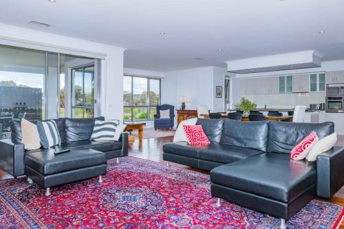 A seating area at Lahinch Mews - Family Bookings Only