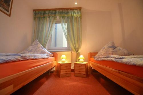 A bed or beds in a room at Mediteranos