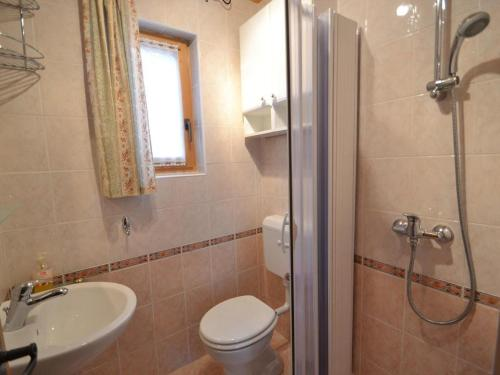 A bathroom at Holiday house with a parking space Crni Lug, Gorski kotar - 15058