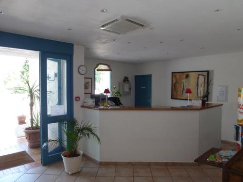 Hall ou réception de l'établissement Alba-Flora Hôtel