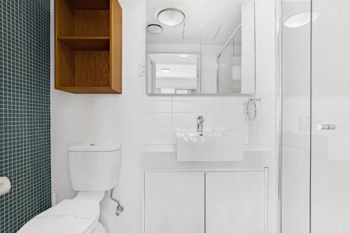 A bathroom at 'Cote D Azur' luxury in the heart on Nelson Bay!