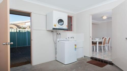 A kitchen or kitchenette at Peaceful, Quiet and so close to the beach!