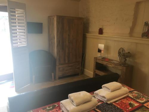 A bathroom at Widbrook Barns
