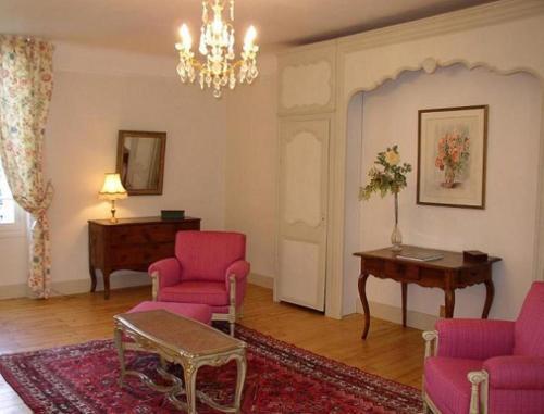 Coin salon dans l'établissement Appartement du Château du Grand Bouchet