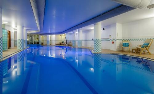 The swimming pool at or near Hilton Nottingham Hotel