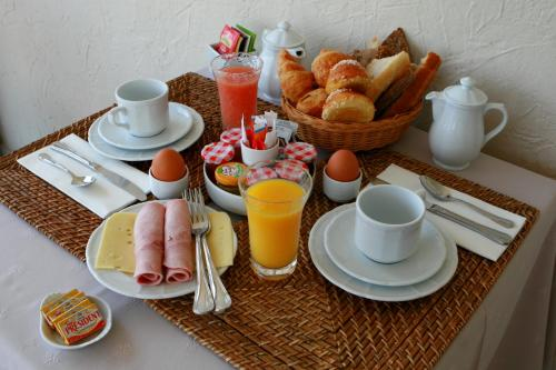 Breakfast options available to guests at Hotel Marc-Hely