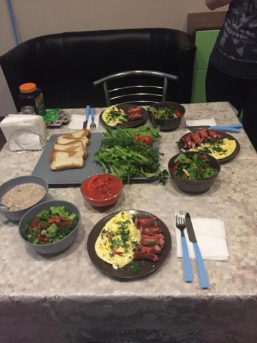 Lunch and/or dinner options for guests at Apartments on Mira