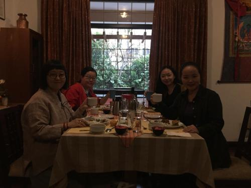 A restaurant or other place to eat at Sherpa home hotel Swoyambhu