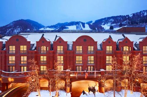 St. Regis Aspen Resort im Winter