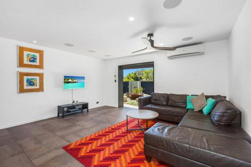 A seating area at CABARITA BEACH HOUSE 53