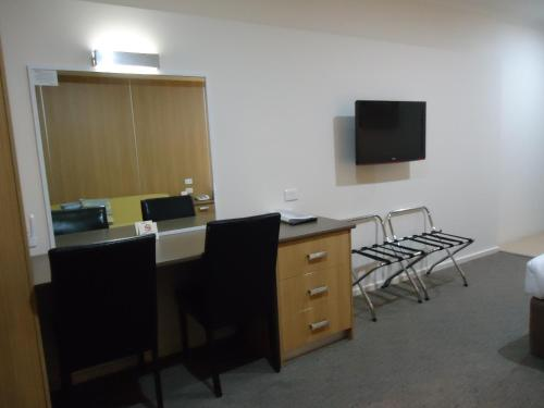 A television and/or entertainment center at Albury Regent Motel