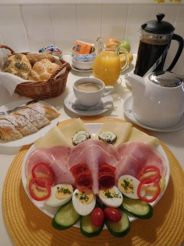 Možnosti snídaně pro hosty v ubytování Pension U Kapličky