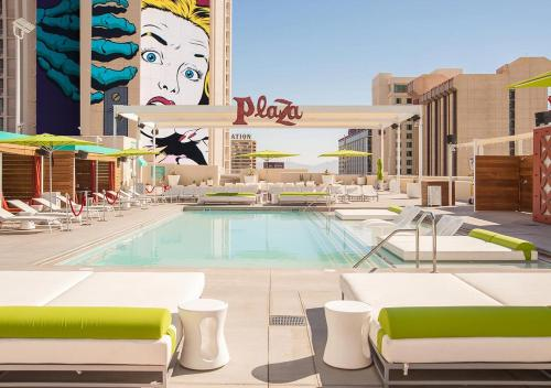 The swimming pool at or close to Plaza Hotel & Casino