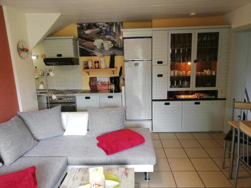 Küche/Küchenzeile in der Unterkunft Appartment Moselblick Bullay