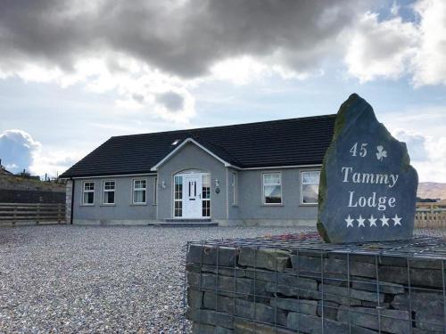 Tammy Lodge
