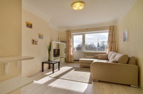 Гостиная зона в Квартира в центре с видом на Неву