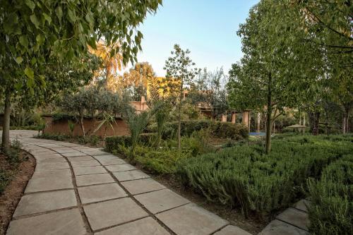 A garden outside Villa de Luxe Domaine des Kasbahs