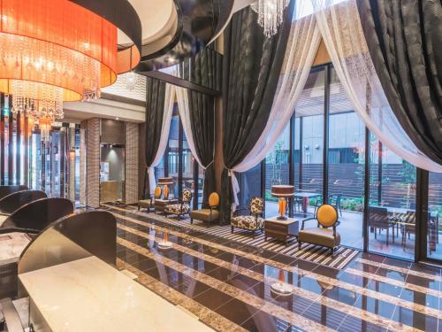 The lounge or bar area at APA Hotel Higashi-Umeda Minami-morimachi-Ekimae
