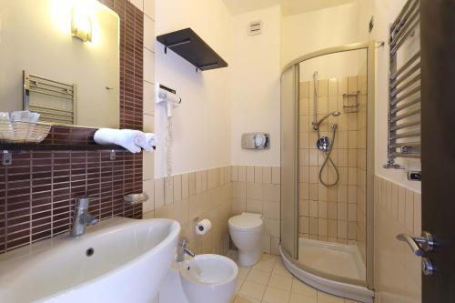 A bathroom at Hotel San Giovanni