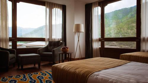 A general mountain view or a mountain view taken from the hotel