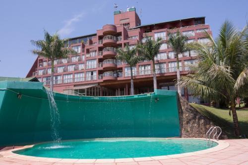 La pileta dentro o cerca de Amérian Portal Del Iguazú Hotel