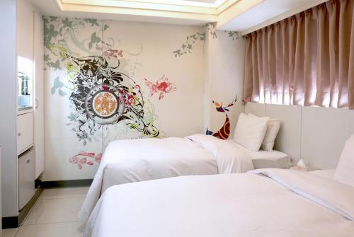 貝多芬快捷旅店房間的床