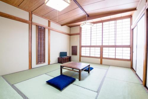 Ein Sitzbereich in der Unterkunft Senjo LakeKawaguchiko