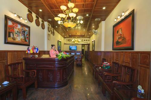 The lobby or reception area at Lucky 3 Hotel