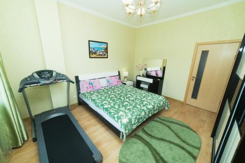 Кровать или кровати в номере Адлер коттеджный поселок Орхидея Парк