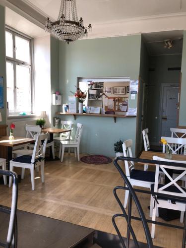 En restaurang eller annat matställe på Dockside Hostel Old Town
