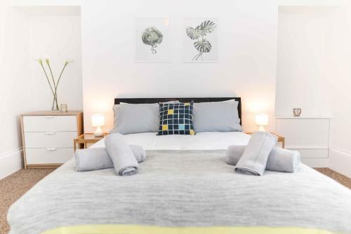 Stafford Modern Apartment