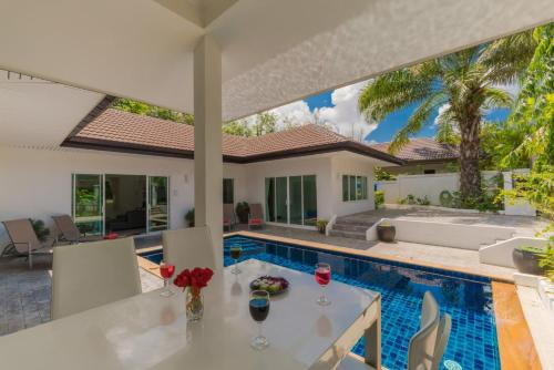 The swimming pool at or near Private Pool Villa 4 bedrooms