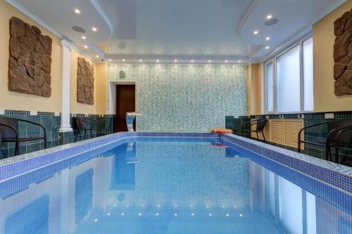 The swimming pool at or near Borodino Hotel