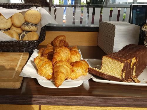 Breakfast options available to guests at Hotel La Baia