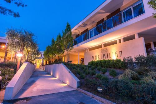 Hotel Maximilian Bardolino, Italy