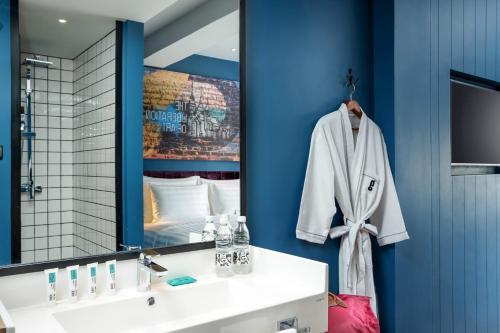 Een badkamer bij Hotel G Yangon