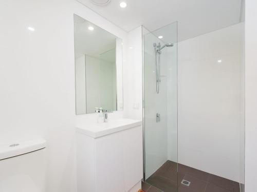 A bathroom at The Shoal Apartments, Unit 305/4-8 Bullecourt Street