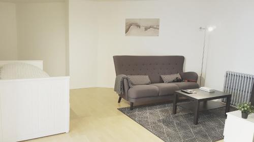 A seating area at Keflavik Apartment