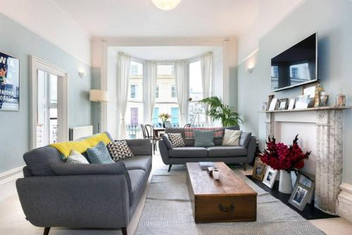 1 Bedroom Central Brighton Apartment With Seaviews