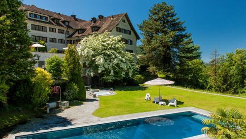 Der Swimmingpool an oder in der Nähe von Villa Margaritha