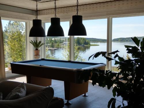 Biljardipöytä majoituspaikassa Villa Seaview Guesthouse & Spa