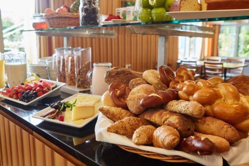 Frühstücksoptionen für Gäste der Unterkunft Geroldswil Swiss Quality Hotel