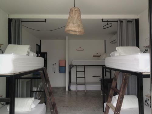 En eller flere køjesenge i et værelse på D hostel