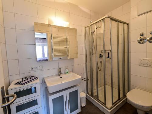 Ein Badezimmer in der Unterkunft Ferienwohnung Schliestädt-Görge